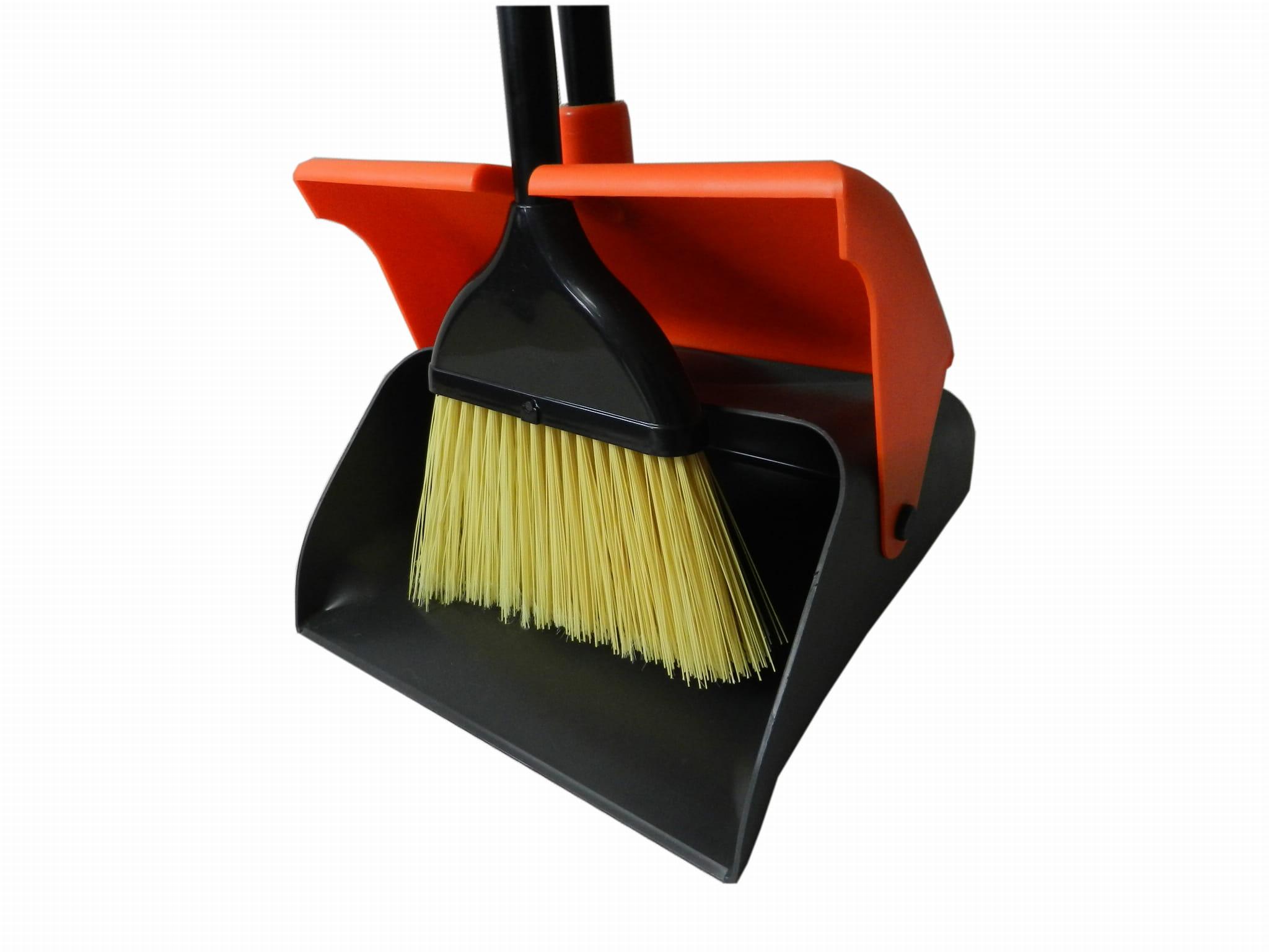 Leniuch - zestwa sprzątający, szufelka +zmiotka